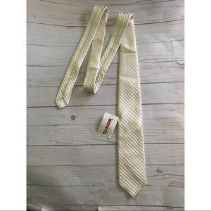 New Brooks Brothers Silk Tie